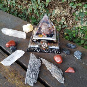 Pirâmide Orgonite 10x10 - Pentagrama