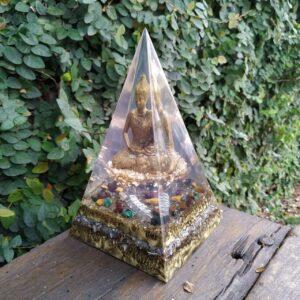 Pirâmide Orgonite 19x11 – Buda Prosperidade